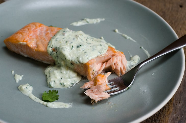 salmon-fillet-and-sauce-5