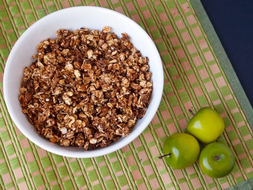 No Sugar Added Apple Cinnamon Granola
