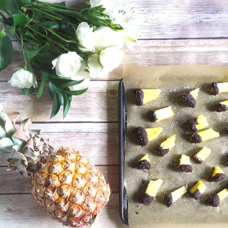 Chocolate Dipped Pineapple Healthy Helper @Healthy_Helper