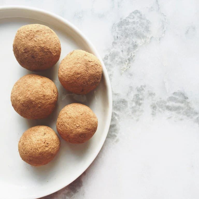 4 Ingredient Cacao Coconut Date Balls | Healthy Helper @Healthy_Helper