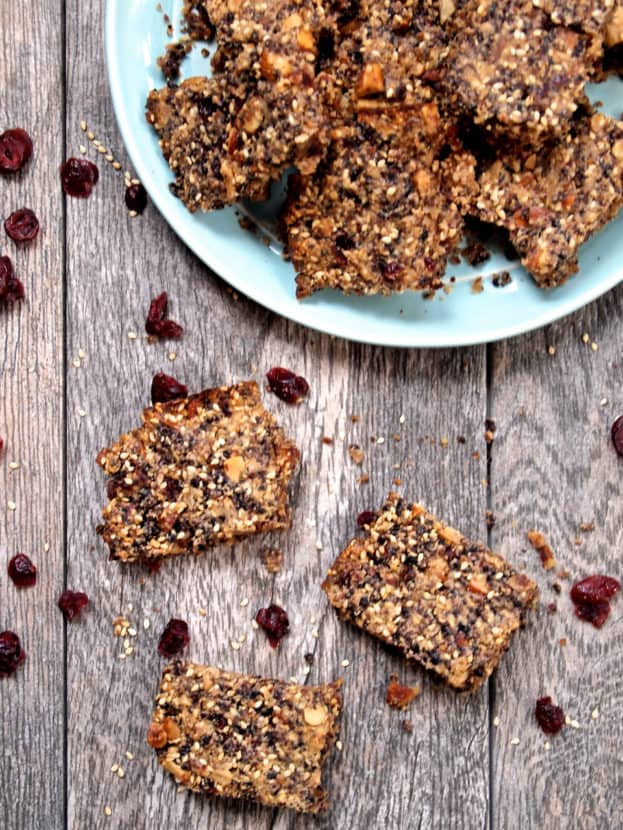 Toasted Sesame and Cranberry Black Rice Bars  | Healthy Helper @Healthy_Helper