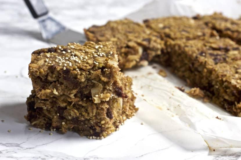 Coconut Chocolate Chip Quinoa Bars | Healthy Helper @Healthy_Helper