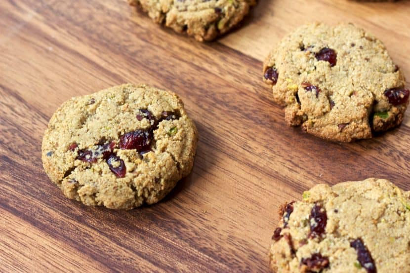 25 Healthy Holiday Cookies   Healthy Helper @Healthy_Helper A roundup of the most delicious (and most NUTRITIOUS) cookies for the holiday season! Everything from classics to new fun favorites...you'll find a cookie recipe that your family will love this season!