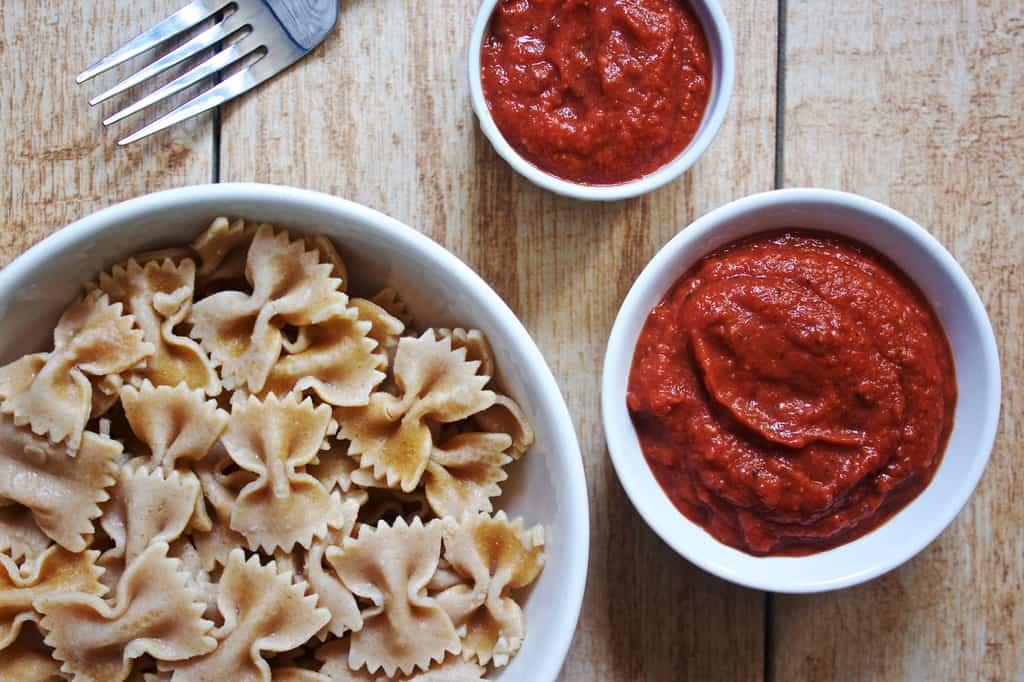 Creamy Tomato Avocado Pasta Sauce [raw +vegan]