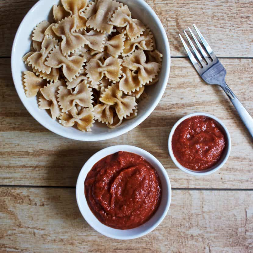 Tomato Avocado Pasta Sauce | Healthy Helper @Healthy_Helper Creamy, delicious pasta sauce made with fresh, whole food ingredients! Avocados are the star of this raw, vegan Tomato Avocado sauce and lend their creamy consistency to make it extra rich tasting! Gluten-free, oil-free, and perfect for topping your favorite pasta with.