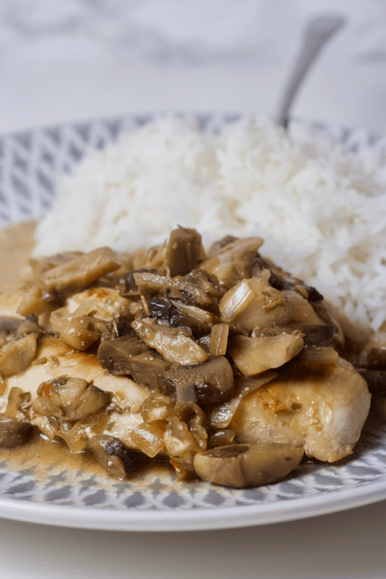 Clean Eating Chicken Marsala | A lighter, healthier version of Chicken Marsala with clean, simple ingredients! This low-calorie, low-fat take on the Italian classic is sure to be a new family favorite. It's also gluten-free and super easy to make!