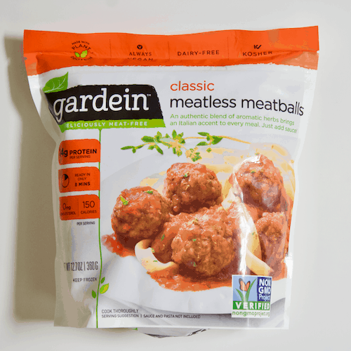 A Personal Trainer's Picks for Healthy Frozen Meals |  A roundup of nourishing frozen meals and foods that are perfect for quick, healthy meals when you're short on time! Personal trainer and nutrition coach approved.