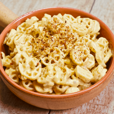 Easy Vegan Mac n' Cheese | The easiest, cheesiest vegan mac n' cheese you'll ever make! Tastes just like a classic boxed mixed but is dairy-free, gluten-free, grain-free, and 100% vegan.